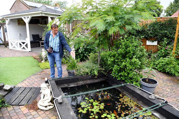 HALSTEREN Pix4Profs / Jan Stads. rubriek Buiten Kijken, in Halsteren waren we in de tuin van Ronald Riteco