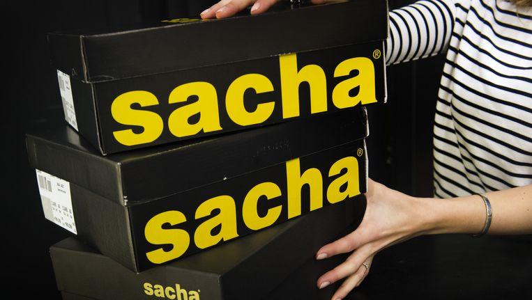 53d35b4c722 ... Schoenenwinkel Sacha neemt Manfield van Macintosh over. Beeld anp