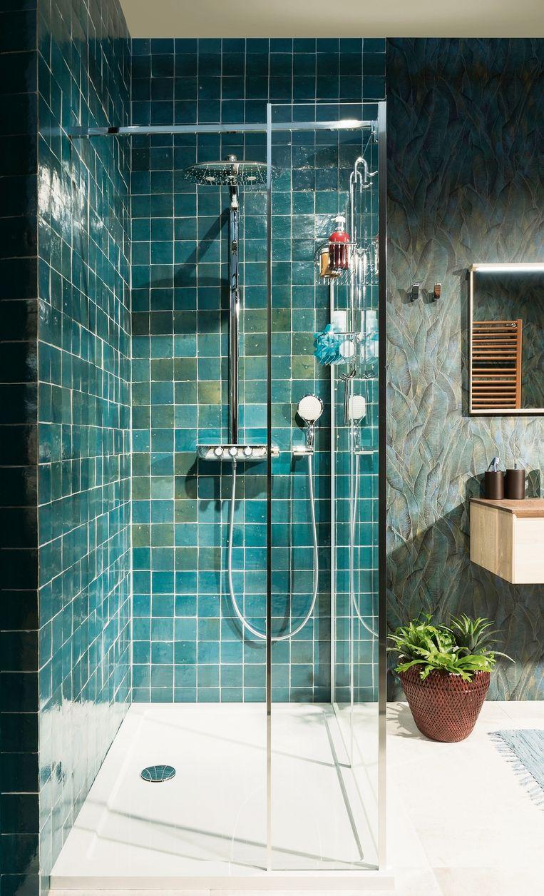 Door de populariteit van de inloopdouche nemen de afmetingen van de douche zienderogen toe.