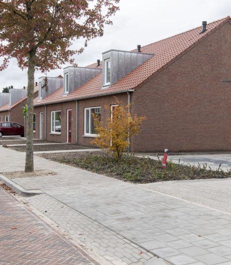 Eerste bewoners richten nieuwe energieneutrale woningen in Eibergen in
