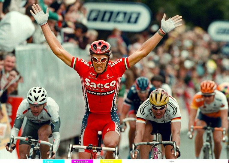 Mario Cipollini, hier bij zijn overwinning in de etappe naar Cahteauroux. Beeld null