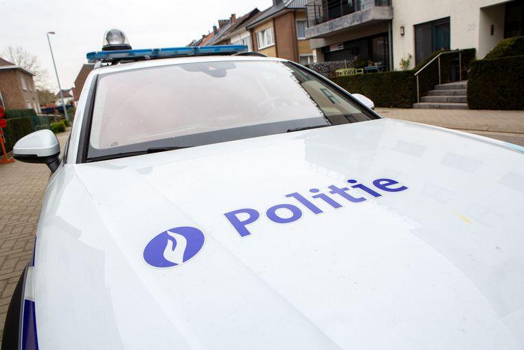 De politie pakte een zeventienjarige inbreker op in de wijl Vogelweelde.