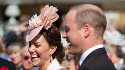 IN BEELD. Kate Middleton steelt de show op koninklijk tuinfeest als 'Legally Blonde'