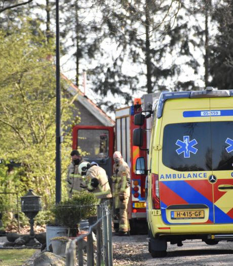 Inwoner Westerhaar met brandwonden naar ziekenhuis