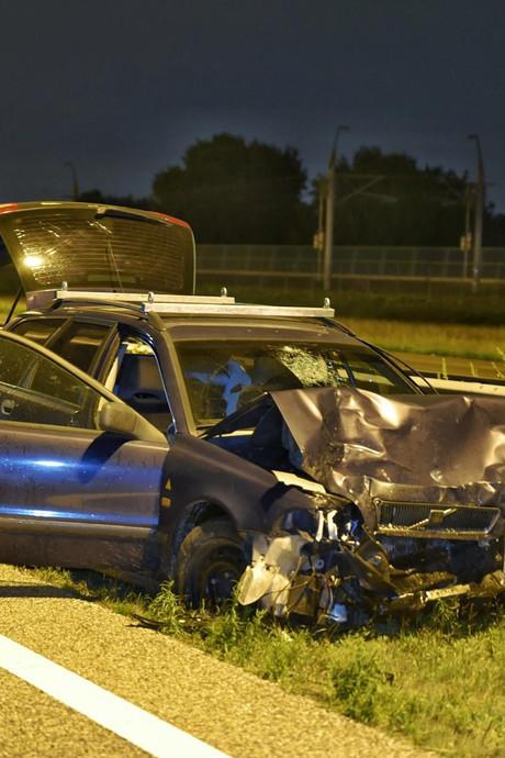 VIDEO: Ravage op de A16 na ongeluk met acht auto's, weg uren dicht