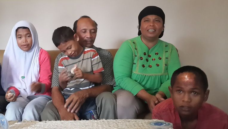 Het gezin Rangkuti. Beeld AFP