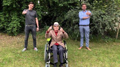 Rolstoel Frans (87) werd per ongeluk verkocht bij bezoek aan Kringwinkel, maar Limburgse firma verrast met nieuw exemplaar