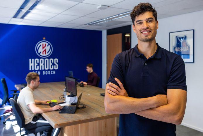 Heroes-captain Stefan Wessels in zijn nieuwe kantoor, hij stopt met basketballen en krijgt een bestuurlijke functie.