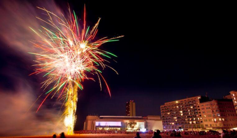 Aan het Casino Kursaal zijn vannacht geen vuurpijlen te zien. Beeld Visit Oostende