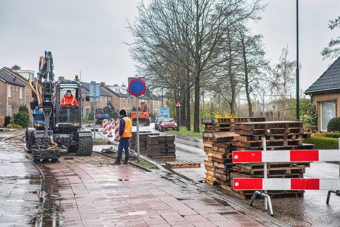 De Liesbosweg in Etten-Leur is deels afgesloten voor allerhande werkzaamheden.
