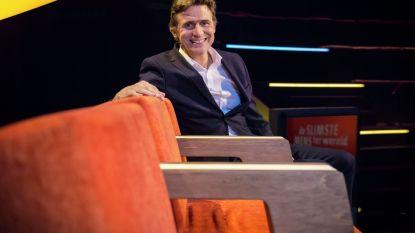 """Vanavond start 'De Slimste Mens' met vaste routine van Erik Van Looy: """"Broodje garnaalsla en préparé, en de quiz kan beginnen"""""""