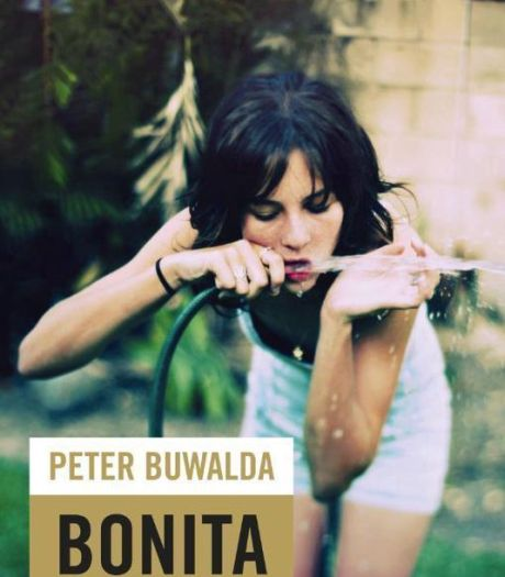 Roman Bonita Avenue wordt toneelstuk met Willem Voogd
