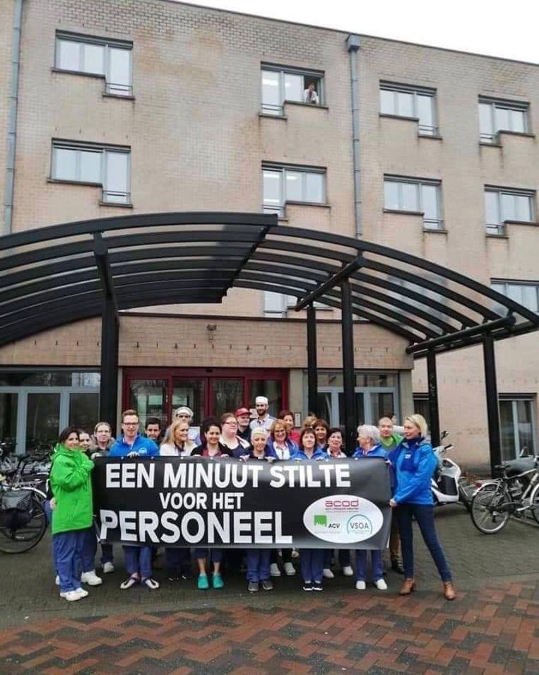 De minuut stilte aan woonzorgcentrum Mijlbeek werd verstoord.