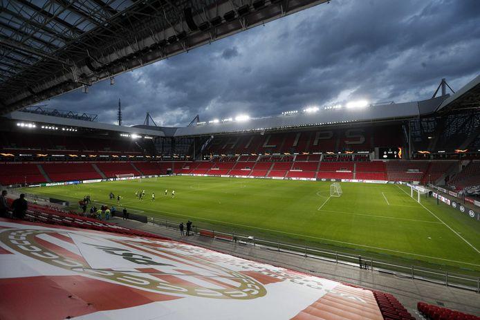 Een leeg Philips-stadion, het blijft wennen.