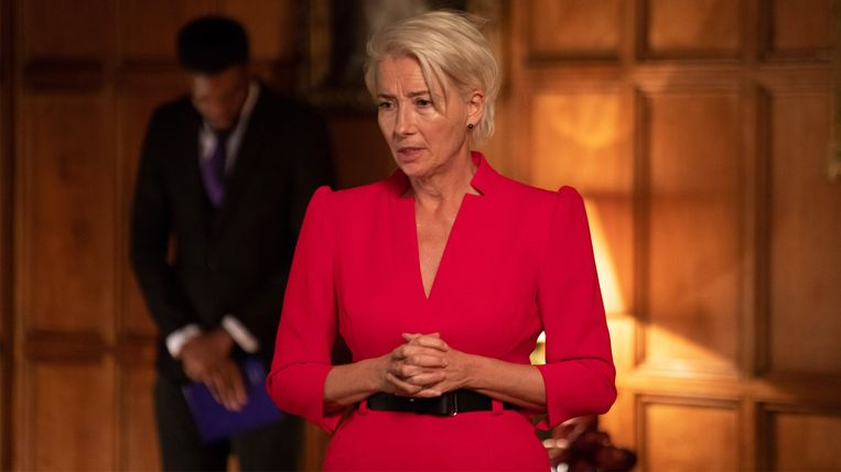 Emma Thompson als de politica Vivienne Rook in 'Years and Years'. Beeld /