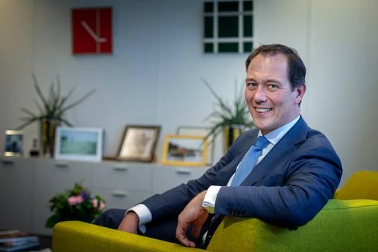 Portret van de Haagse Wethouder Boudewijn Revis.