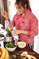 Gravin Eloise van Oranje in de keuken