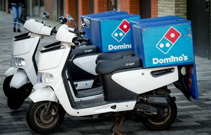 Bezorgbrommers van Domino's Pizza.