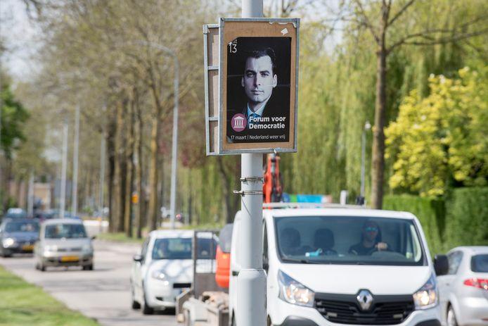 Langs de Nieuwe Tielseweg te Tiel wordt nog gevraagd om op 17 maart op Forum voor Democratie te stemmen.