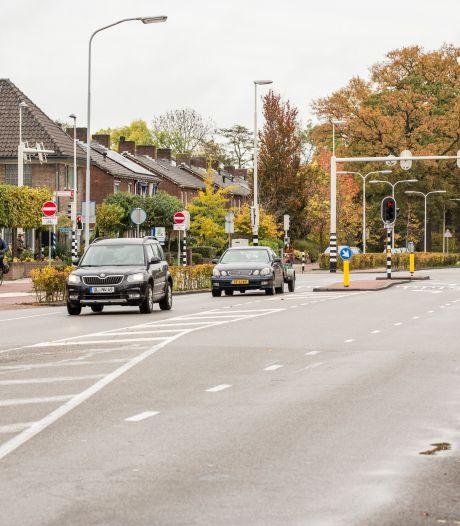 'Onveiligste weg van Gelderland' ruim acht maanden afgesloten: Deventerweg in Zutphen krijgt metamorfose