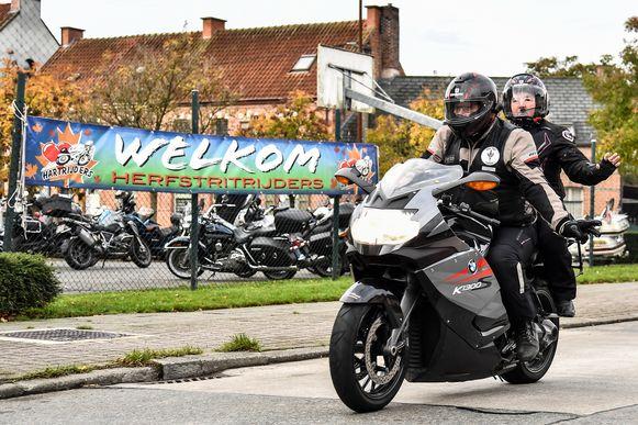 De Herfstrit van de Hartrijders is al jaren een populair evenement onder motars.