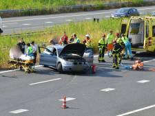 Auto botst op vrachtwagen vlakbij Belgische grens, A16 richting Breda is weer vrij