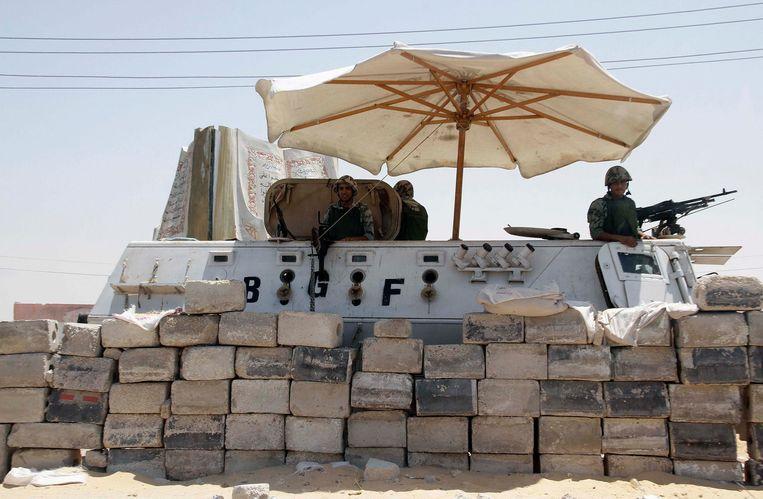 Egyptische soldaten in de Sinaï. Beeld REUTERS