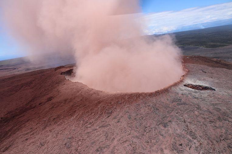 Uitbarsting Kilauea-vulkaan op 3 mei gevolgd door een reeks aardbevingen.