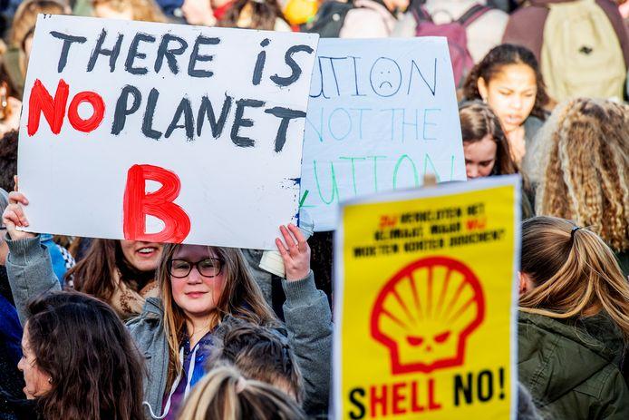 Haagse studenten willen in navolging van leerlingen in het basis- en voortgezet onderwijs gaan demonstreren voor een beter klimaatbeleid.