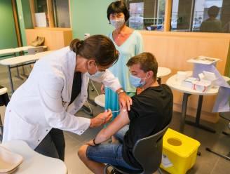 77 jongeren laten zich vaccineren in secundaire scholen