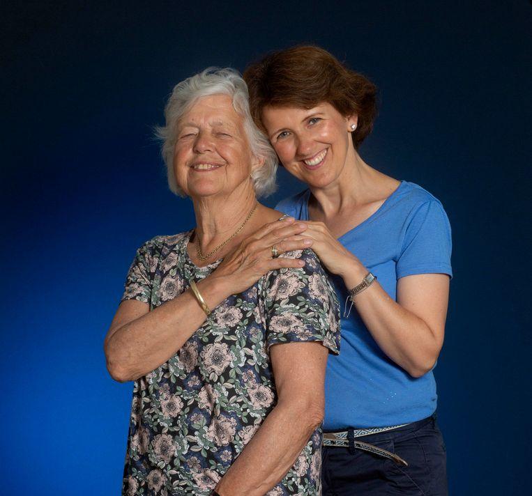 Marijke Treep-Van Ede en haar dochter Wendela.  Beeld Maartje Geels