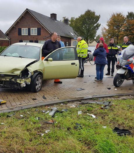 Twee auto's botsen op Heusdensebaan Biezenmortel
