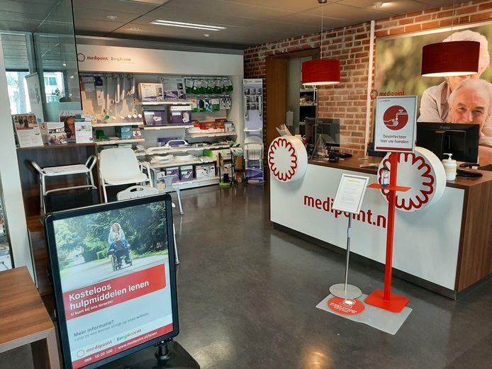 De thuiszorgwinkel van Medipoint aan de Constantijnstraat is inmiddels grotendeels ontruimd. Stichting De Welle is bereid om de uitleenactiviteiten na 1 mei over te nemen tot het einde van dit jaar. Wat er daarna gaat gebeuren is nog onzeker.
