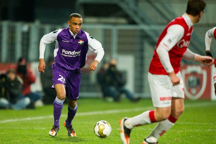 Geboren Bredanaar Jeroen Lumu (links) debuteerde in 2012 op zijn zestiende in het eerste elftal van Willem II.