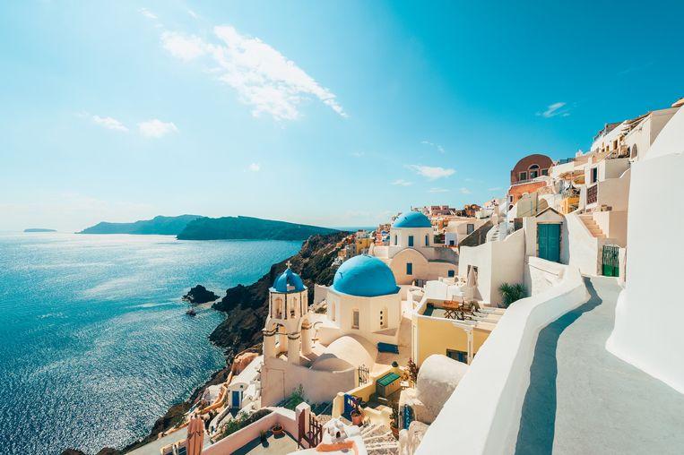 Het Griekse eiland Santorini kleurt momenteel oranje op de Europese coronakaart. Beeld Getty Images