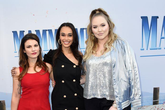 Linda Hakeboom met Romy Monteiro en  Nikkie de Jager bij de premiere van Mamma Mia! Here We Go Again in Pathé Tuschinski in 2018