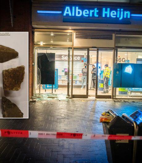 Twee Utrechters (22 en 15) veroordeeld voor gooien van vuurwerkbom bij Albert Heijn in Hoograven