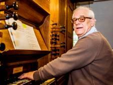 Gouden Franse medaille voor Ad, de organist van de Hilvarenbeekse kerk