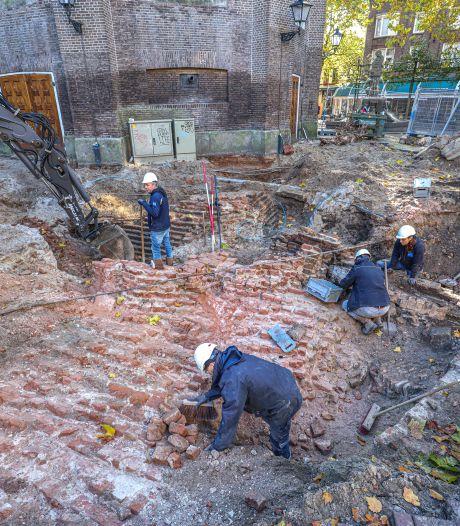 Eeuwenoud fundament van toren Grote Kerk (en meer) in Zwolle aangetroffen: 'Fantastisch'