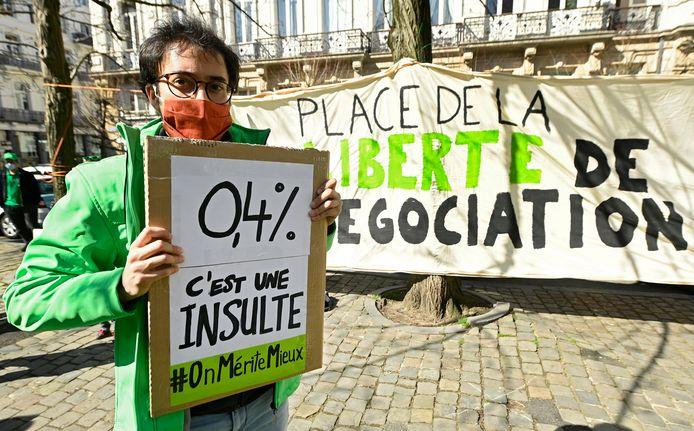 Manifestation du personnel de nettoyage et de gardiennage place de la Liberté à Bruxelles, ce lundi 29 mars.