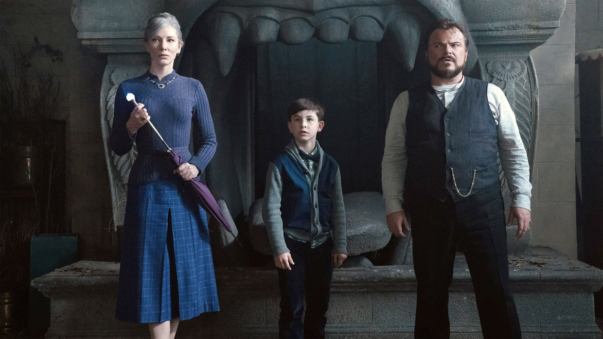 Cate Blanchett, Owen Vaccaro en Jack Black in 'The House with a Clock in Its Walls' Beeld TMDB