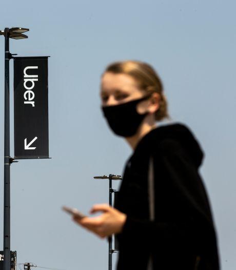 Uber wil bewijs dat je een mondkapje draagt voor je de taxi in stapt