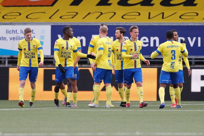 Feest bij Cambuur na weer een goal. De teller staat dit seizoen inmiddels op 91 bij de club uit Leeuwarden.
