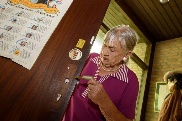Mevrouw Flik uit Valkenswaard die werd opgelicht door een slotenmaker.