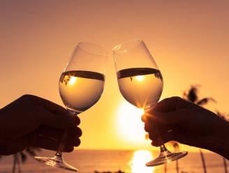 Santé: samen een glaasje wijn drinken is goed voor je relatie
