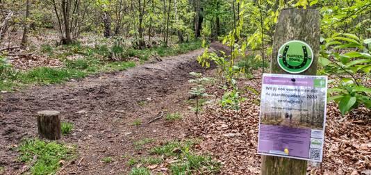 Het pamflet bij een van de ruiterpaden door het Zeister Bos