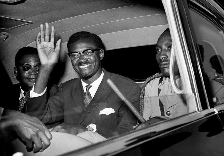 Patrice Lumumba in juli 1960. 'Hij heeft het land echt een gemeenschappelijke identiteit gegeven. Pas als Congo uit elkaar valt, dan sterft Lumumba.' Beeld AP
