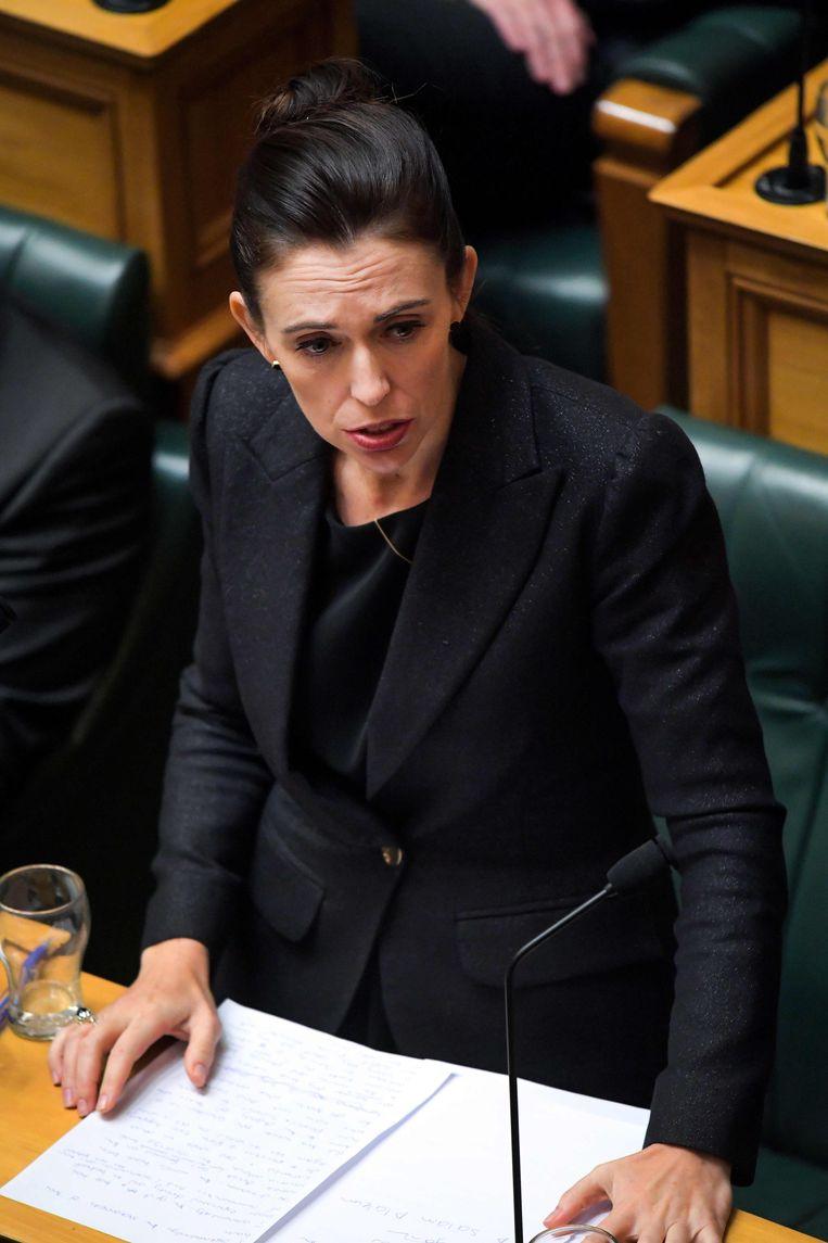 Jacinda Ardern tijdens haar toespraak in het parlement. Beeld AFP