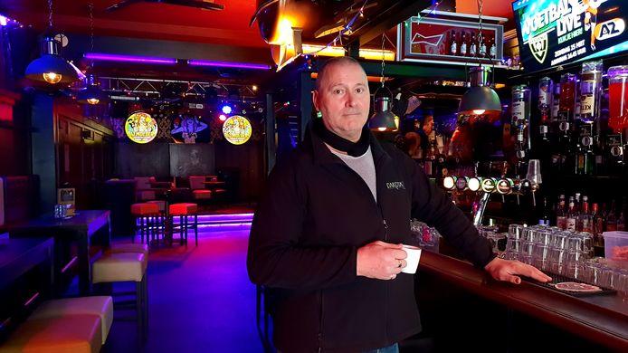 Jean-Pierre Kolthoff, eigenaar van café Bij Moeders in Roosendaal, in maart 2020.