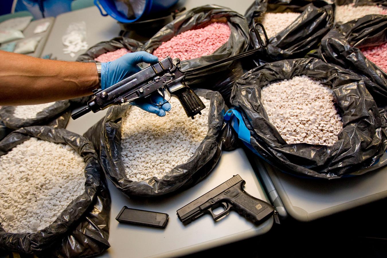 Foto ter illustratie. Wouter J. werd in maart van dit jaar betrapt in Zwolle met drugs en een wapen, nadat de politie een jaar eerder in zijn woning in Wijhe een grote voorraad had ontdekt.